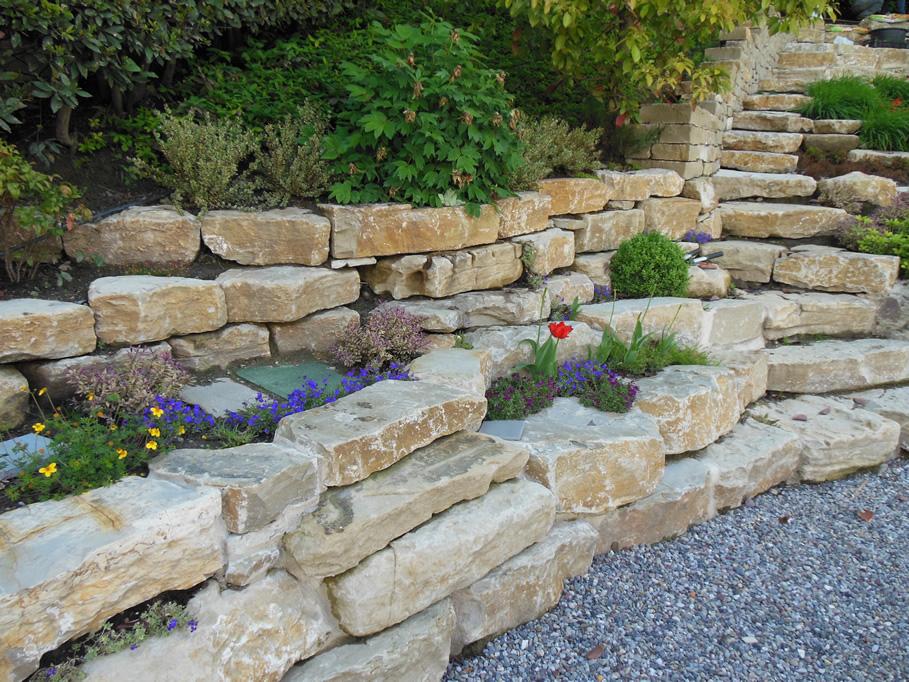 muri-a-secco-per-giardino-pietra-credaro-6-b.jpg