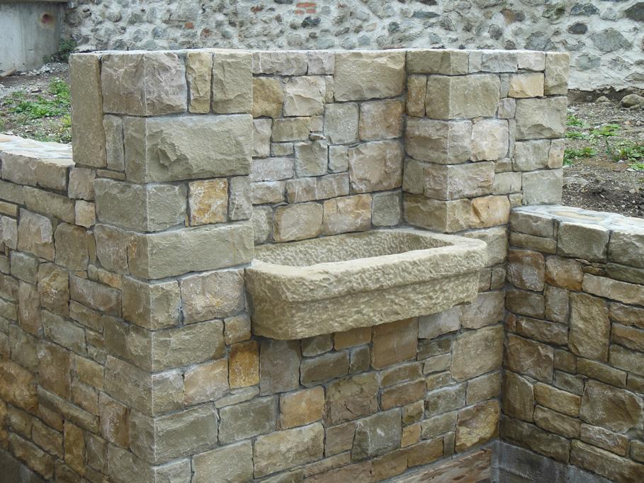 Fontane in pietra di credaro cava bettoni - Fontane da giardino in pietra ...